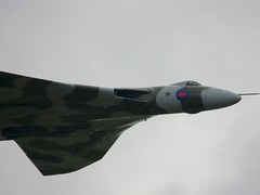 Tin Triangle (Andrew Hyams) Tags: show sky tattoo display aircraft air royal international vulcan 2009 raf avro fairford riat xh558 vtst preairshowed preairshow2 preaviationed