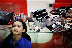 eyses closed - Surabaya (Maciej Dakowicz) Tags: city sea woman girl beauty face indonesia asian java asia pretty contest makeup shoppingmall surabaya plazatunjungan souheasasia