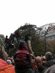 Kleine Riesin / Little Girl Giant (shining.darkness) Tags: berlin marionette littlegirlgiant kleineriesin