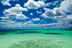 (Laura Travels) Tags: beach gulfofmexico clouds florida destin crabisland coth shotfromaboat summer09 abigfave abigfav underwaterisland