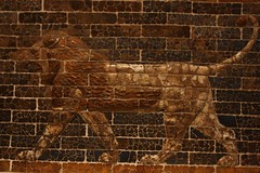 Lion (Magnum_Dynalab (Mike)) Tags: old toronto ontario art history ancient lion brickwall rom artifacts canon40d canon241054l royalontariomuseium