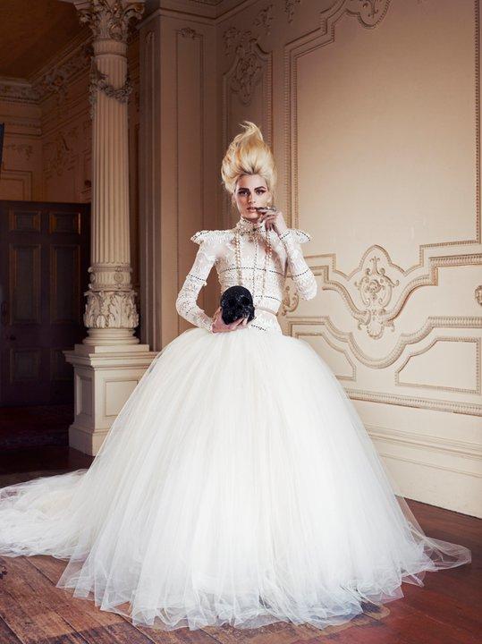 Andrej Pejic0327_ J'Aton Couture_Ph Emily Abay