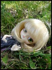 Clestine ne fait rien comme tout le monde. (.LanyLane.) Tags: bigeyes doll poupe plasticdoll junplanning dalfrara