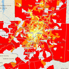 red areas emit the most CO2 per household from driving (by: CNT)
