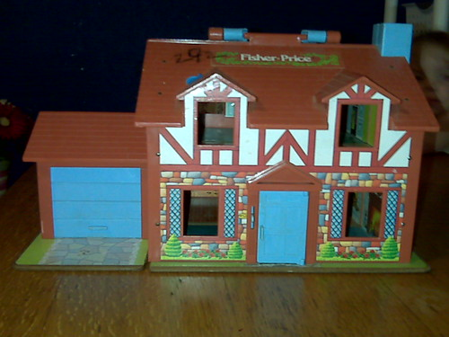 Fisher Price Vintage Dollhouse Exterior