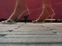 Aguzzate la vista (bellimarco) Tags: road feet shoes strada rosa sguardo vista marco belli piedi scarpe aguzzate