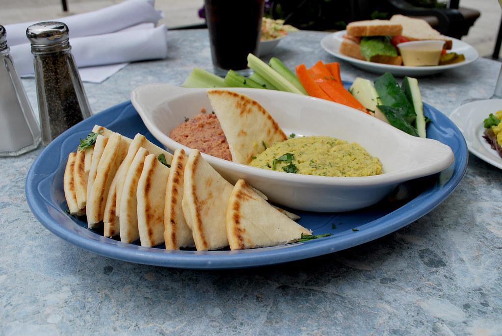 MoJoe Bean and Cilantro Hummus