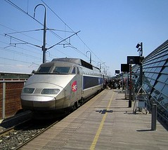 the TGV in Avignon (by: Gordon Joly, creative commons license)