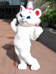 Marie (meeko_) Tags: marie cat aristocats characters disneycharacters innoventions futureworld epcot themepark walt disney world waltdisneyworld florida disneyphotochallenge disneyphotochallengewinner
