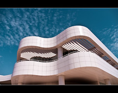 The Getty Center (Madiator) Tags: california sky building art museum modern paul losangeles los artwork minolta angeles contemporary curves landmark center architect richard getty konica curve gettymuseum richardmeier gettycenter distillery modernarchitecture meier jpaulgetty konicaminolta thegetty contemporaryarchitecture dynax5d paulgetty