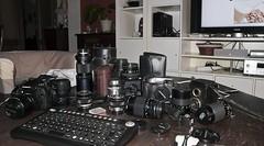 De vacaciones, limpieza. (Adisla) Tags: 6x6 zeiss 35mm binocular lens 50mm reflex f14 cable olympus c7070 100mm f45 300mm sp bronica mf f2 20mm manual e3 om grip 500mm tamron vivitar e1 50200mm zuiko f28 cy meyer 135mm exakta optic soligor 105mm remoto kiron 70210mm c7070wz etr adaptall zd50200mm zd50mm trioplan ex25 ec14 zenzanon disparador 1260mm intervalometro ec20 zd1260mm otfotos