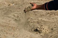 Dépôt de terre contaminée sur les berges du fleuve Ramis, Crucero, Puno, Pérou
