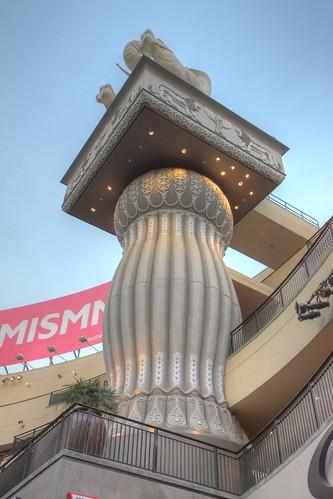 Column @ Hollywood & Highland Center