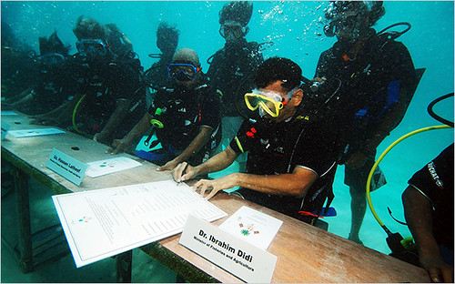 Maldives Government Meets Underwater