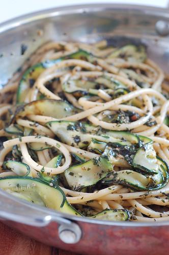 zucchini pesto noodles-2