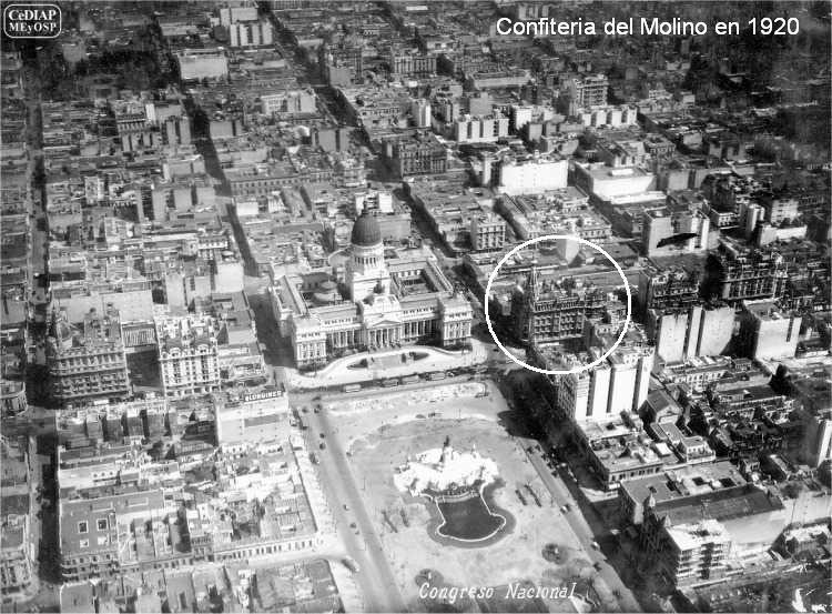 Vue aérienne au dessus de la Plaza Congreso en 1920