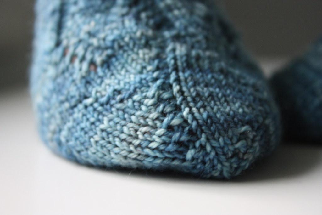 Marina Waves Socks