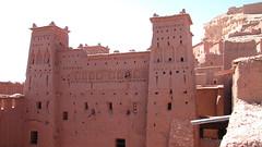 Una kasbah (Carlitos) Tags: africa morocco maroc marruecos ksar kasbah  atbenhaddou soussmassadra  almarib  athbenhadu