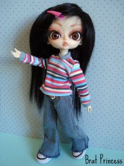 Norah (Da (Brat Princess)) Tags: pink portrait toy stripes rosa plastic jeans wig bjd boneca norah abs jouet plstico poupe balljointeddoll huhoo