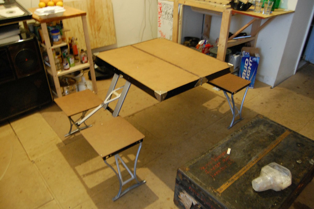 fold out table - folded-out