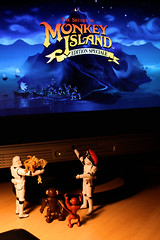 Back to Monkey Island (Stfan) Tags: canon toy actionfigure eos monkey starwars stormtroopers screen adventure pirate stormtrooper videogame figurine jouet pcgame hasbro jeu monkeyisland lucasarts singe aventure project365 pointandclick guybrushthreepwood 450d leauxsinges stormtroopers365 geekdadpower