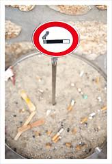 Can't drive your cigarette! ([SLVR]) Tags: sign rock wall sand areia smoke smoking icecream fumar pau pedra tobacco tabaco parede sinal cigarro cigarrete fumo proibido gelado filtro nicotina murtalha