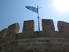 White Tower, Thessaloniki, Greece (Tilemahos Efthimiadis) Tags: flag hellas greece macedonia 100views thessaloniki 50views whitetower openstreetmap makedonia      osm:way=140156303 address:country=greece address:city=thessaloniki