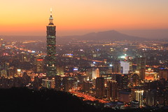 IMG_3491 (sullivan) Tags: city longexposure sunset sky sun sunlight landscape taiwan taipei taipei101 sullivan    nightphotos  1000views  blackcard    3000views 50faves  ef28135mmf3556isusm 100comments   200comments