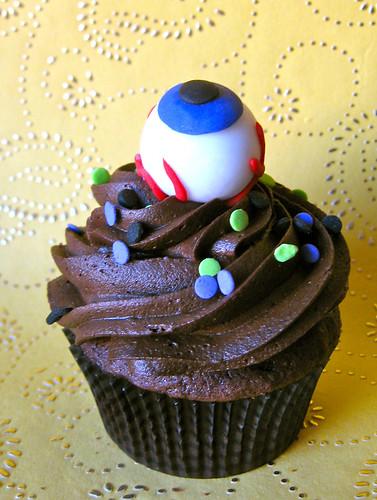 eyeball halloween fondant edible cupcake topper