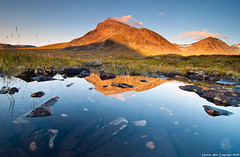 Nijak reflection (Rob Orthen) Tags: autumn sunset sky mountain reflection fall landscape nationalpark nikon rocks europe sundown sweden hiking august rob lee lapland sverige filters scandinavia maisema fjell lappi syksy kansallispuisto thenorth sarek d300 vaellus ruotsi tunturi elokuu storasjfallet orthen niak nijak ruohtesvagge gnd09 roborthenphotography tokina1116mm retkiremmi retkiremminet