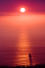 Ironman Sunset (konaboy) Tags: ocean sunset shadow reflection hawaii ship navy ironman destroyer bigisland kona kailuakona 2463