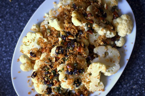 cauliflower with almonds and raisins