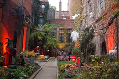 Beacon Hill Halloween (Chris Devers) Tags: autumn holiday fall halloween boston ma trickortreat massachusetts bostonma 2009 beaconhill trickortreating cameranikond50 exif:exposure_bias=0ev exif:exposure=0017sec160 exif:focal_length=18mm lens18200vr exif:aperture=f40 camera:make=nikoncorporation exif:flash=autofiredreturndetected camera:model=nikond50 meta:exif=1257920458 flickrstats:favorites=1 exif:orientation=horizontalnormal exif:lens=18200mmf3556 exif:filename=dscjpg exif:vari_program=auto exif:shutter_count=37797 meta:exif=1350400376