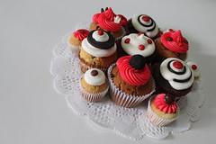 Betty Boop dots cupcakes (All you need is Cupcakes!) Tags: red black argentina cupcakes betty cupcake need boop needcupcakes allyouneediscupcakes