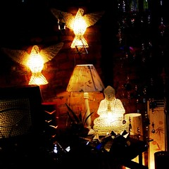 Luz de efeito (Santinha - Casas Possveis) Tags: light luz vintage candle reciclagem decorao velas abajur loja iluminao lustre lmpadas lustres iluminado lampio abajour arandela lamparina brech organizao candlles luzdeled blogcasaspossveis idiasparasuacasa idiasparadecoraracasa luzparaloscuartosdebao lightforbathrooms luzcerta iluminaoparadiversosambientes iluminaoparajardim lmpadapar lmpadaparainsetos iluminaodepiscina luzdevela iluminaocnica jogodeluz iluminaoparabanheiro iluminaoparacozinha idiasparailuminar ailuminaocerta lustreantigo lustrevintage luminriadecho luminriadep luzparajardim ovelhoeonovo casaedecorao decoraoparajardim especialsobreiluminao lustresantigos iluminaodecorativa iluminaobarata