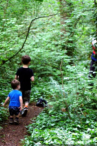 about to run head-on into some senior hikers - _MG_5503