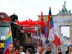 SDS. (AFIK  BERLIN) Tags: berlin prideparade cristopherstreetday gayprideberlin dielinkesds csd2009 dielinkequeer