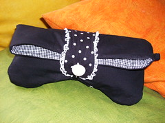 bolsinha de mo (by Pathy) Tags: colors quilt patchwork algodo customizada customizao bolsadetecido bordadosamo carteirademo camisetascomaplicao tecidosestampados bypathy