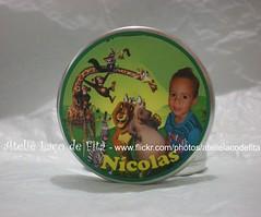 Latinha Nícolas (Ateliê Laço de Fita) Tags: verde mini card madagascar strass latinha lembrancinha lembrancinhas latinhas personalizada personalizadas