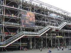 Paris: Centre Pompidou (harry_nl) Tags: paris france museum modernart musée centrepompidou renzopiano 2009 richardrogers artmoderne