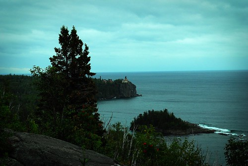distant split rock lighthouse