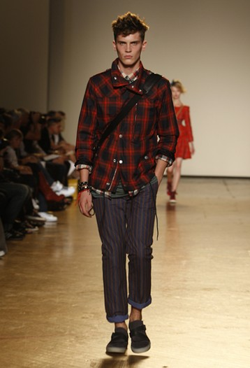 William Eustace3042_SS10_NY_Marc by Marc Jacobs(WWD)
