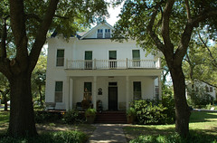 George T Todd House (stevesheriw) Tags: texas jefferson marioncounty nationalregisterofhistoricplaces 71000949 jeffersonhistoricdistrict georgettoddhouse house 1893 victorian architecture 505npolk