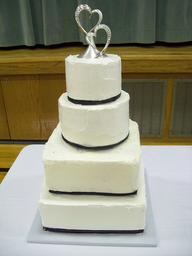 Robert & Laura Wedding Cake