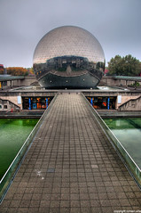 la geode (romvi) Tags: autumn trees lake cinema paris france water automne ball reflections de mirror la nikon eau europe theatre cité perspective lac panoramic des sphere villa geode reflexions et arrondissement reflets romain dri sciences mirroir imax dalle lavillette villette boule panoramique bassin lindustrie spheric d90 citédessciencesetdelindustrie spherique lageode romainvilla bouleafacette arrbres 19éme romvi