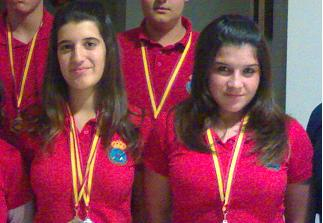 Laura Mizzi y Cristina MuñozPELEARAN POR PLAZA OLIMPICA