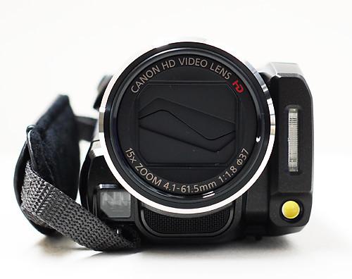 キヤノン、デジタルビデオカメラ「iVIS(アイビス) HF21」をお借りしました