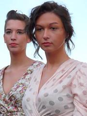 deux filles (e