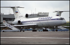 RA-85334 - St. Petersburg Pulkovo (LED) 22.08.2001 (Jakob_DK) Tags: 2001 led ulli stpetersburg pulkovo pulkovoaviation tupolev tupolev154 tupolev154b tupolev154b2 tu154 tu154b tu154b2 careless