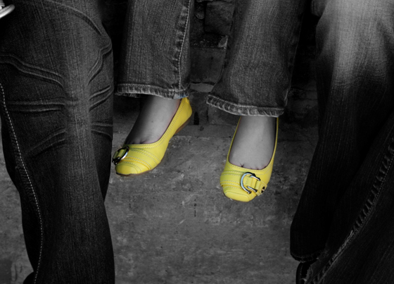 black and white yellow shoes78
